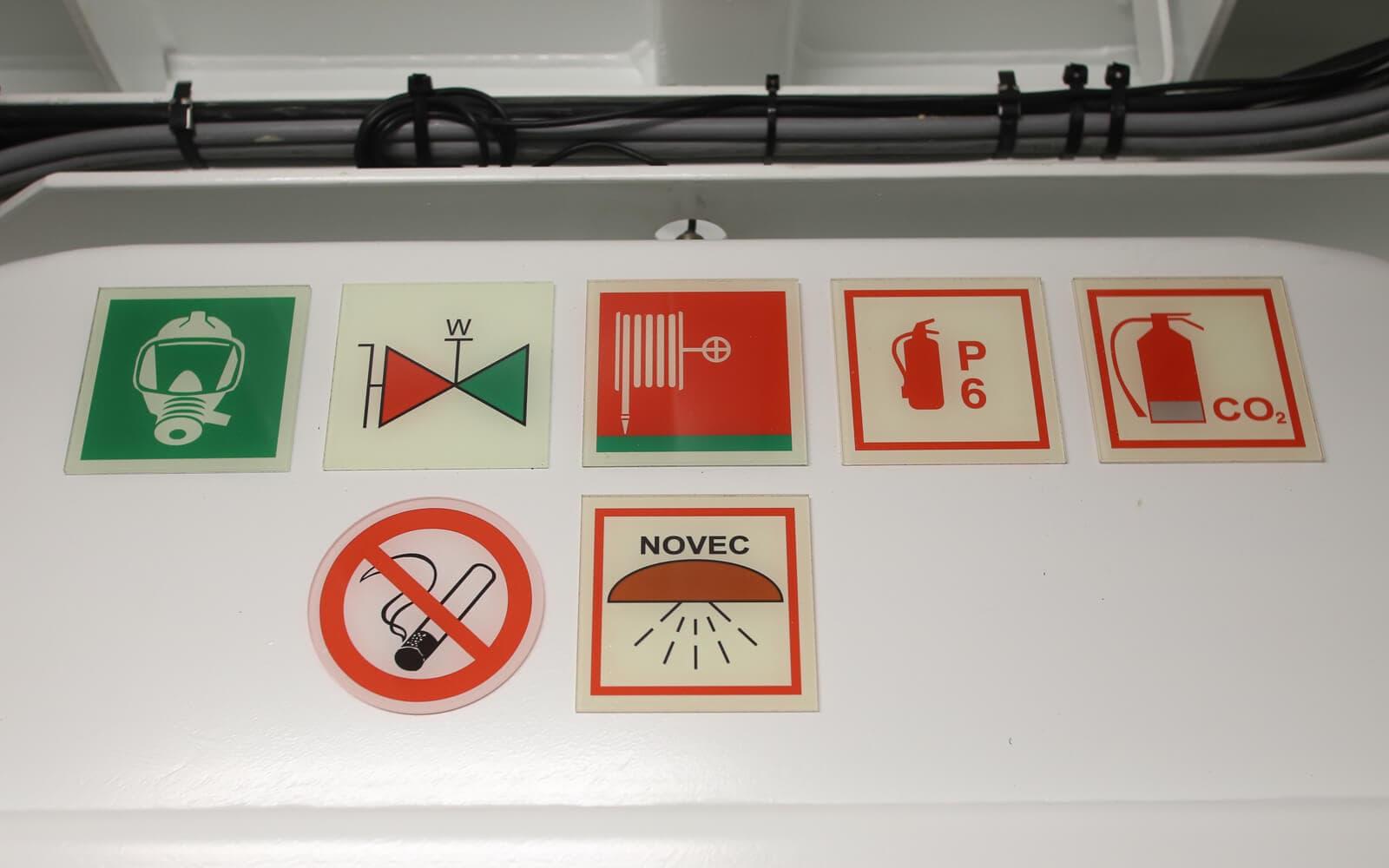 Sicherheitsschilder für Schiffe
