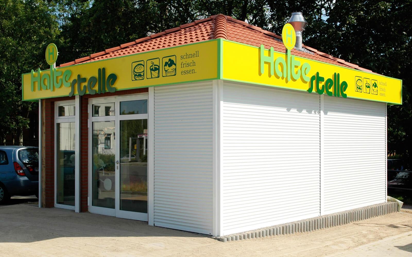 Außenwerbung für Kiosk an der Ostsee