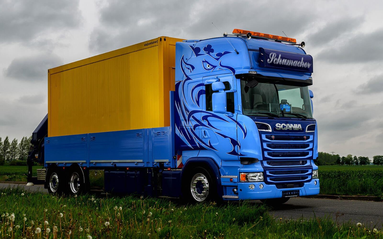 Autofolierung für einen LKW