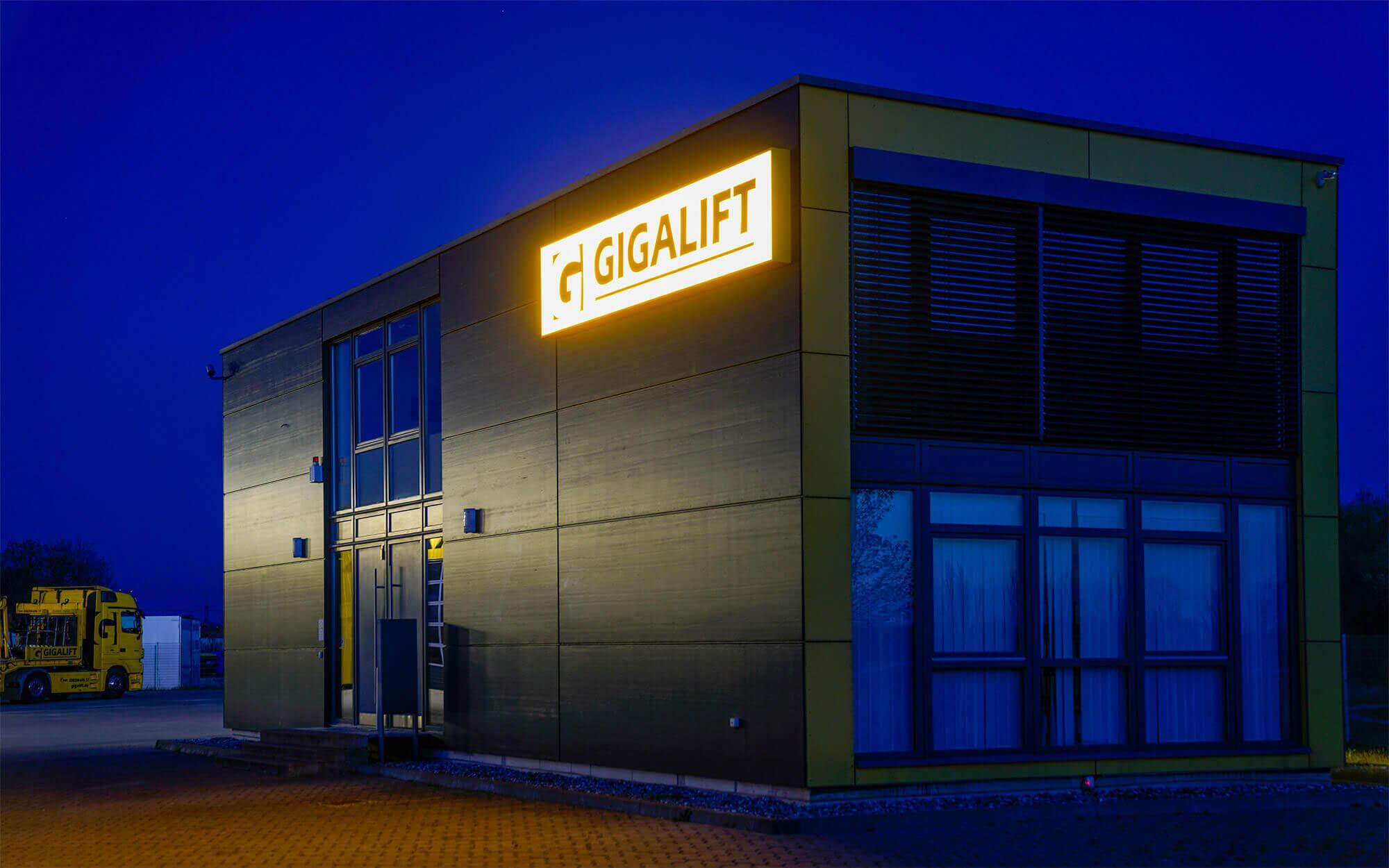 Lichtwerbung Gigalift Rostock