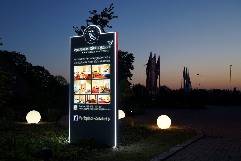 Werbung für Hotels im Außenbereich
