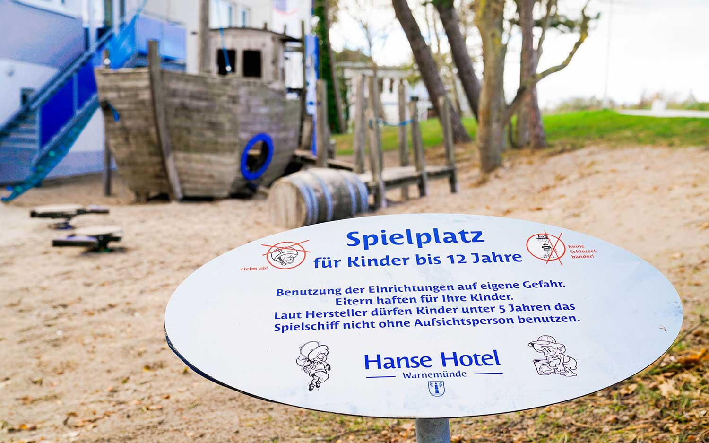 Schilder für Hotelspielplatz