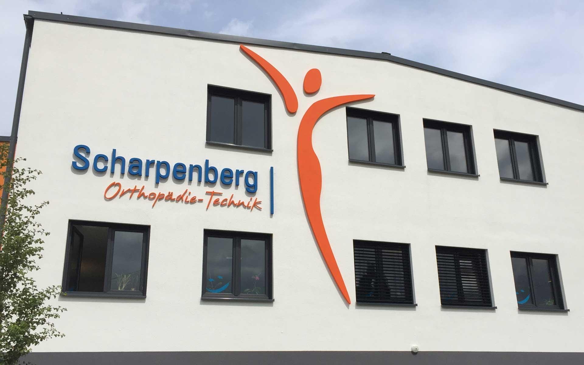 Außenwerbung an der Fassade Schwarpenberg