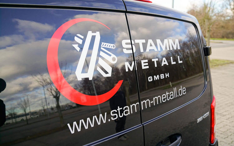 Autofolierung Stamm Metall Rostock