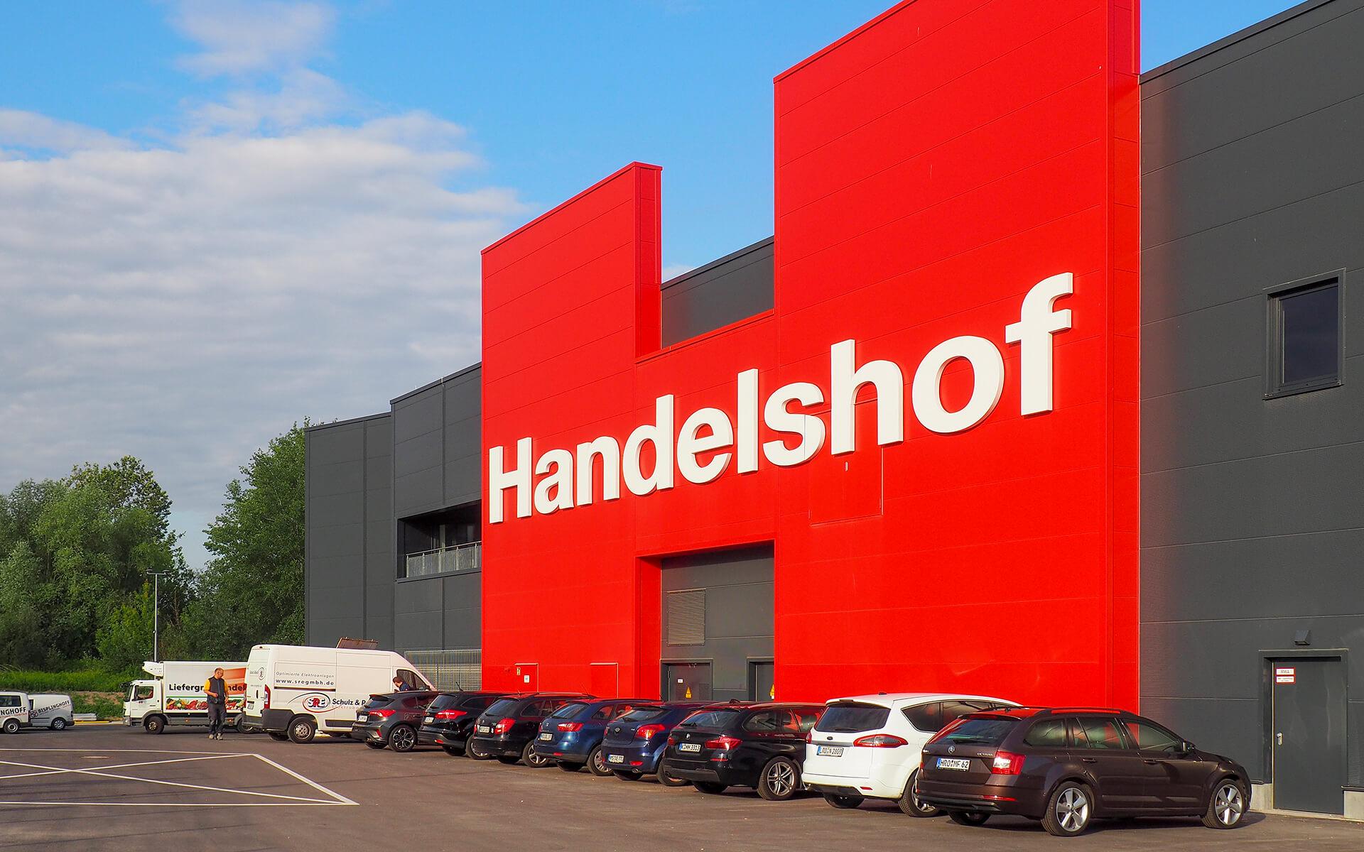 Handelshof Rostock Fassade Werbung